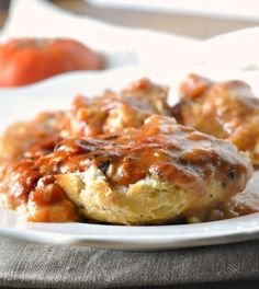This recipe for Southern Tomato Gravy is an easy way to make a tasty gravy any time Delicious and different deep south recipe for everyone, ya'll. Casserole Recipes, Crockpot Recipes, Delicious Recipes, Vegetarian Recipes, Southern Cooking Recipes, Gourmet Cooking, Southern Food, Homemade Buttermilk Biscuits, Deep South Dish