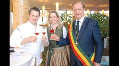 Gourmet- und Weinfestival mit 2-Hauben- und Sternekoch Roland Huber Grand Hotel Wien, Spa Hotel, Coat, Fashion, Gourmet, Environment, Hoods, Wine, Koken