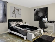 What is more elegant than white and black horses all groomed and ready to ride. Come see our Elegant Horses room at http://www.visionbedding.com/Horse-Black-And-White_Bedroom-rm-13333