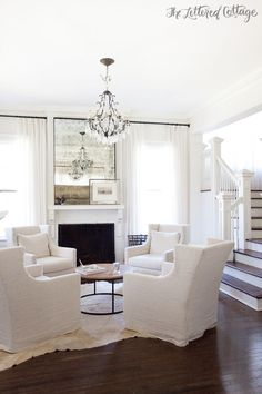 Love this circle seating arrangement for a sitting room! Jen -- This is the concept I was talking about.