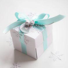 Můj první exploding box ❄❤❄ Chcete vědět, co je uvnitř? Mrkněte na blog k @paperoamo nebo do stories... My first exploding box...I love it 😇 . . #scrapbooking #cardmaking #paper #paperoamo #mint #winter #stuha #krabicka #prekvapeni #diy #handmadewithlove #vyrobenovcesku #vyrobenosrdcem #rolnicka #sharehandmadekindness #papercrafts Container, Inspired, Box, Inspiration, Instagram, Biblical Inspiration, Snare Drum, Boxes, Inhalation
