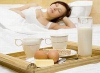 Co JEŚĆ, by dobrze SPAĆ? Dieta na bezsenność