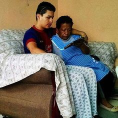 Photo shared by @randall_y_laurita Yesterday I went with a brother to see Gerardo a return visit who was left blind by an auto accident three years ago. We showed him and his aunt the video Living by Touch. He was visibly moved by what he heard and it led to a fine scriptural discussion. (Guanajuato México)   Me fui ayer con un hermano para visitar a Gerardo su revisita. Él tuvo un accidente en su coche hace tres años resulta que ya es ciego. Tocamos el video Palpando la vida. Gerardo…
