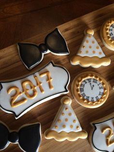 Happy 2017 New Year Iced Sugar Cookies, Christmas Sugar Cookies, Holiday Cookies, Spice Cookies, Fun Cookies, Cupcake Cookies, New Year's Desserts, Winter Desserts, New Year's Cupcakes