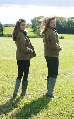 The Londoner: Muddy Hunters Country Wear, Country Girls, Preppy Outfits, Winter Outfits, Lady Grey Tea, Post Bank, Wellies Rain Boots, Rainy Day Fashion, Girl Empowerment