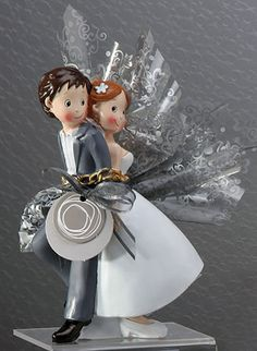 La figurine de gateau de mariage est un sujet parfait pour la