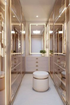 Walk In Closet Design, Bedroom Closet Design, Room Ideas Bedroom, Closet Designs, Home Room Design, Dream Home Design, Walking Closet, Dressing Room Closet, Dressing Room Design