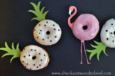 Flamingo Party, Flamingo Pool, Donuts, Breakfast Photography, Beach Friends, Diy Food, Doughnut, Pineapple, Tropical