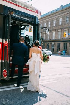 9595261eeeed Sash & Bustle an intimate and beautiful boutique for the modern bride,  located in Toronto