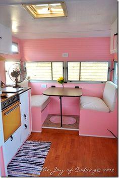 Retro trailer renovation!! Click for more pics! Via Maryjane's Farm
