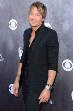 keith-urban-hits-up-the-2014-academy-of-country-music-awards_1.jpg 500×753 pixels