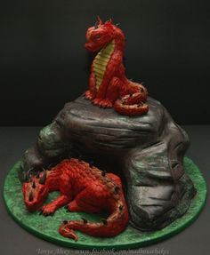 I made this dragon cake for my nephew Blake's birthday. The board is covered with fondant that I textured and painted. The 'cave' is chocolate cake, filled with chocolate ganache, and covered w/ modeling chocolate and fondant. I used food. Unique Cakes, Creative Cakes, Beautiful Cakes, Amazing Cakes, Fantasy Cake, Dragon Cakes, Dragon Party, Modeling Chocolate, Just Cakes