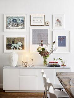 Vackra inspirerande tavelväggar kan ersätta en fondvägg i ett hem. Samla hellre din samling än att pytsa ut konsten lite överallt, det kan ofta bli rörigt och oharmoniskt. Om du väljer en...