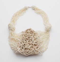 Iris Bodemer – Ingredients_Neckpiece 2008  Rattan, pearls, gold 750