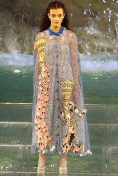 Sfilata Fendi Roma - Alta Moda Autunno-Inverno 2016-17 - Vogue