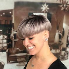 Top Haircuts For Men, Bowl Haircuts, Short Hairstyles For Women, Oval Face Hairstyles, Trending Hairstyles, Bob Hairstyles, Short Hair Cuts, Short Hair Styles, Flat Top Haircut