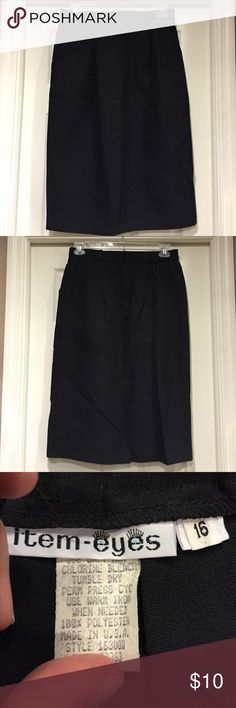 Item Eyes black skirt Very nice😎no flaws!  Back had elastic and button and center slit. Has belt loops. Nice skirt Item Eyes Skirts
