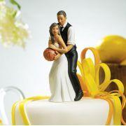 La figurine couple noir jouant au basket  http://www.decorationsdemariage.fr/ps/115-figurines-non-caucasiennes#    depuis le tps que je la cherchais!!!