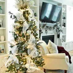 We are truly inspired by this design by K Mitchell Design Co. and we wanted to share with you all how you too can bring these items into your space. Christmas Tunes, Christmas Movies, Different Holidays, Beautiful Space, Your Space, Advent Calendar, Table Settings, Boards, Inspired