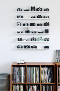 Adorable 60 Simple Clean Romantic Apartment Decorating Ideas https://homstuff.com/2017/08/15/60-simple-clean-romantic-apartment-decorating-ideas/