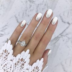 This is the manicure the chicest brides will be… 35 Simple Ideas for Wedding Nails Design 1 Simple Wedding Nails, Wedding Manicure, Wedding Nails Design, Wedding Gel Nails, Beach Wedding Nails, Winter Wedding Nails, Subtle Nail Art, White Nail Art, White Nails With Glitter