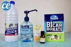 Du vinaigre blanc, de liquide vaisselle, du bicarbonate et de l'huile essentielle de citron