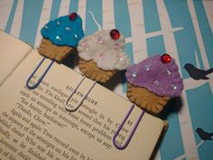 Check out this item in my Etsy shop https://www.etsy.com/listing/489682504/bookmark-decorative-paper-clip-calendar