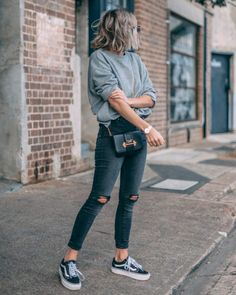 Women Casual Jeans Outfit Khaki Cargo Pants Bear Grylls Pants Casual C – bueatyk Jeans Casual, Cute Casual Outfits, Simple Outfits, Jean Outfits, Fall Outfits, Fashion Outfits, Fashion Fall, Gray Shirt Outfit, Tshirt And Jeans Outfit