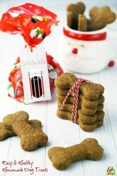 Making Easy & Healthy Homemade Dog Treats is a terrific holiday gift for friends, family, and coworkers with dogs in their lives. Click to get the homemade holiday gift recipe. AD /walmart/ #BestofBaking