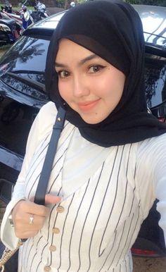 Thing 1, Beautiful Hijab, I Hope, Just For Fun, Thankful, English Grammar, Social Media, Beauty, Instagram