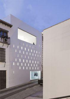 Elisa Valero progetta uno studio a Granada
