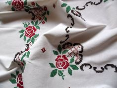 lovely vintage hand embroidered tablecloth with gorgeous floral cross stitch - roses In excellent vintage condition very light beige color Approx. Vintage Embroidery, Floral Embroidery, Hand Embroidery, Coton Vintage, Vintage Cotton, Cross Stitch Rose, Cross Stitch Embroidery, Diy Crafts For Adults, Vintage Tablecloths