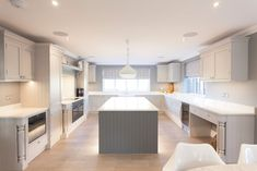 Seer green—in-frame kitchen country style kitchen by cu_cucine country Country Kitchen, New Kitchen, Kitchen Ideas, Grey Kitchens, Kitchen Units, Country Style, Home Projects, Interior Design, Frame