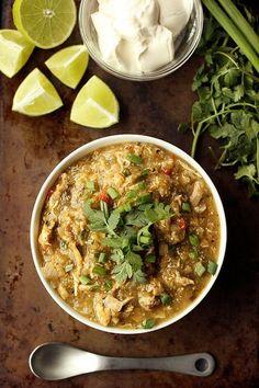Slow Cooker Chicken Chile Verde – Gluten-free, Dairy-free, Paleo-friendly // Tasty Yummies