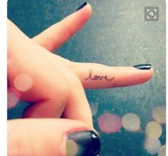 small finger tattoo_27