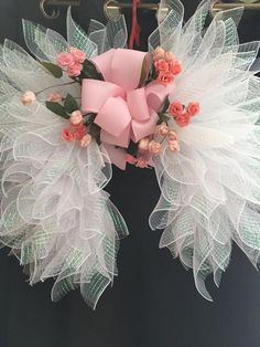 Best 12 Angel Wings in a shimmering White Mesh for your celebration of Faith ,Rainbow Baby Remembrance , Mother's Day or perfect gift for Baby Shower. Measures 26 x 30 x 10 and is very lightweight designed and created by Amazing Wreaths 2018 This beautif Valentine Day Wreaths, Holiday Wreaths, Easter Wreaths, Wreath Crafts, Diy Wreath, Wreath Ideas, Diy Angel Wings, Diy Angels, Handmade Angels