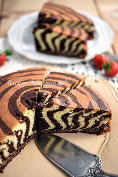 zebra cake- Zebrakuchen A juicy, light sponge cake with the strips. A great eye-catcher. Homemade Baked Donuts, Baked Donut Recipes, Homemade Baby Foods, Easy Cake Recipes, Baby Food Recipes, Baking Recipes, Homemade Vanilla, Healthy Recipes, Peanut Brittle Recipe