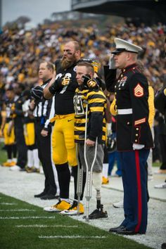 I love this! I love the love for our military! But I'm not a Pittsburgh Steelers fan! Steelers Football, Steelers Stuff, Steelers Pics, Independance Day, Pittsburgh Sports, I Love America, Steeler Nation, American Pride, Thing 1