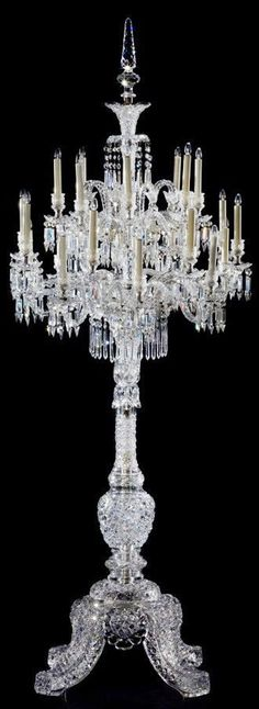【Baccarat×Auction Data】バカラ:最優秀職人たちが脈々と伝わるクリスタルガラスの輝きを放つ