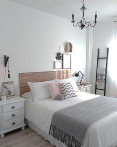 Bedroom Themes, Home Decor Bedroom, Modern Bedroom, Earthy Bedroom, Contemporary Bedroom, Teen Bedroom Layout, Bedroom Design Minimalist, Teenage Bedroom Decorations, Teen Bedroom Colors