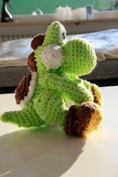 Saroh´s do-it-yourself Blog: Free Yoshi Amigurumi Crochet Pattern