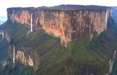 The Mindblowing Mount Roraima  Interesting Pictures One of the most fascinating and oldest geographical formations in the world, Mount Roraima is nothing short of mindblowing. Read more at http://all-that-is-interesting.com/popular-interesting-pictures/6/#oKc8rie982VDe4ZB.99 -Magnifique ~ Magnifico ~