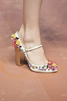 40 Insanely Cute High Heels To Copy Today - Shoes Fashion & Latest Trends Fancy Shoes, Pretty Shoes, Crazy Shoes, Beautiful Shoes, Cute Shoes, Me Too Shoes, Shoe Boots, Shoes Sandals, Miranda Priestly