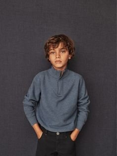 Boys´s Sweatshirts & Jumpers at Massimo Dutti online. Enter now and view our Spring Summer 2019 Sweatshirts & Jumpers collection. Boys Summer Outfits, Summer Boy, Toddler Outfits, Boy Outfits, Fashion Kids, Baby Boy Fashion, Brown Hair Boy, France Mode, Stylish Little Boys