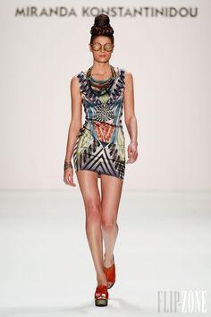 Miranda Konstantinidou - Pret a porter -  2013-2014 - http://es.flip-zone.com/fashion/ready-to-wear/independant-designers/miranda-konstantinidou