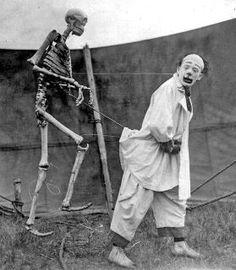 BEST (stalking skeleton puppet)