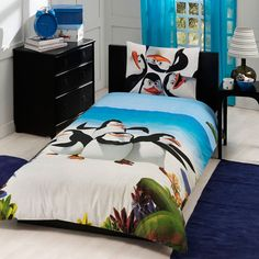 Madagascar penguins, bedding set... Twin.
