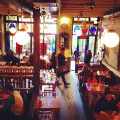 Ara Kafe ☼ my place on earth ARA KAFE BEYOĞLU  Ev yapımı gazozu, brownisi ve sütlü kahvesi tavsiyeler arasında