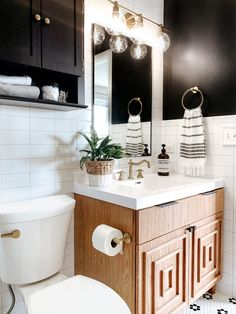 Bathroom Reveal | Spring 2020 One Room Challenge | Sammy On State Small Bathroom Cabinets, Bathroom Design Small, Bathroom Wall, Bathroom Interior, Master Bathroom, Bathroom Ideas, Estilo Joanna Gaines, Black Hexagon Tile, Shower Niche