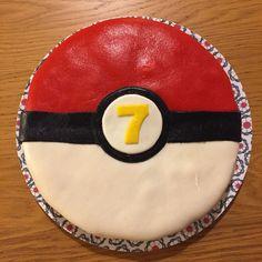 Pokémon cake / Pokeball